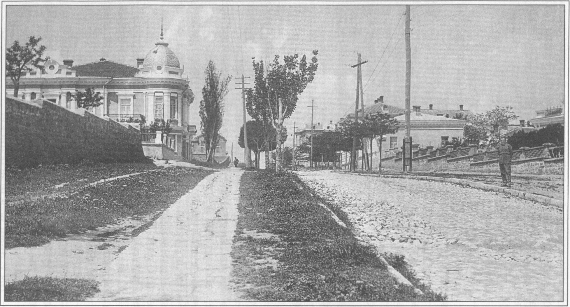 Феодосия. Улица Московская (ныне — ул. Генерала Горбачева). 1932 г.